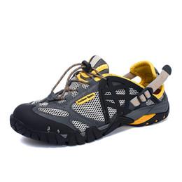 Zapatos de playa 47 online-Hombres de la marca de verano sandalias de malla más el tamaño 35-47 Unisex estilo masculino femenino transpirable zapatos casuales sandalias de agua de playa