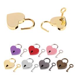 Cerraduras en forma de corazón online-Candados en forma de corazón Vintage Antiguo Estilo Antiguo Mini Archaize Key Lock Con llave Para el bolso bolso de equipaje pequeño accesorios FFA1990