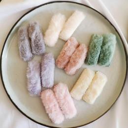 Corea establece niña online-2pcs / set del nuevo de Corea del invierno de la felpa de las horquillas de sólidos clips de color de piel falsa de pelo de las muchachas Barrettes Moda Niños Accesorios para el cabello suave 20set