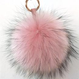 Canada Femmes Fluffy 15 cm Réel De Fourrure De Raton Laveur Balle Porte-clés Fourrure Pompon Chaîne Porte-clés Sac Charme De Voiture Pendentif Accessoires Offre