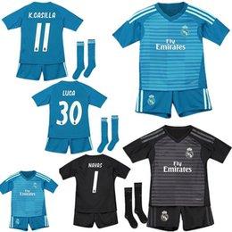 391856119b 18 19 Portero del Real Madrid NAVAS CASILLA Inicio Jersey verde de fútbol  Kids Kit 2019 RM Ausente COTTOIS LUCA GK Camiseta de fútbol para niños  negros