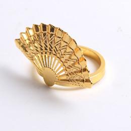 Anelli di tovagliolo cinese online-Golden Fan Napkin Buckle Napkin Ring Hotel Restaurant Home Decorazione per la tavola Luxury Gold Plated Fibbia stile cinese QW9621