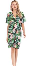 Knielänge chiffon blumendruck kleid online-Kurzärmeliges Kleid loses Blumenkleid Druck-Damen-Kleider Sundress beiläufige reizvolle Sommer-Chiffon- Tiefer Ausschnitt knielangen Kleid