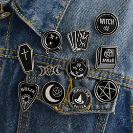 Nuovi badge pin online-Miss Zoe Handmade Witch Ouija Moon Tarot BooK New Goth Style Smalto Pins Badge Denim Jacket Gioielli Regali Spille per donna Uomo