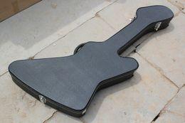 Guitares insolites en Ligne-Noir inhabituel forme guitare électrique et basse Hardcase / Sac, la forme est comme la guitare, peut couleur personnalisée à l'intérieur, offre personnalisée
