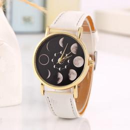2019 cuir de montre solaire Casual Quartz Watch Ladies Clock Solar Phase de lune lunaire Eclipse lunaire regarder les étudiants élégants Quartz PU Bracelet en cuir Montres cuir de montre solaire pas cher