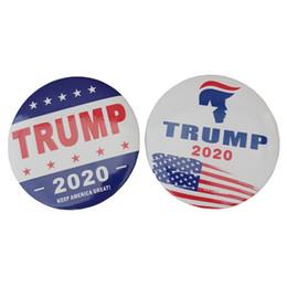 souvenir spilla Sconti New Trump 2020 Spilla Lettera Keep America Great Breast Pin Bandiera USA Presidente Campagna Spilla Bomboniera Regalo Souvenir HHA700