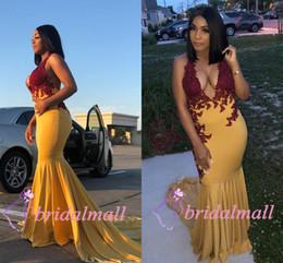 tapete vermelho de vestidos amarelos Desconto Plus Size 2019 Africano Amarelo Cetim Longos Vestidos de Baile Sereia V Neck Borgonha Appliqued Formal Vestido de Noite Red Carpet Runway Partido vestidos