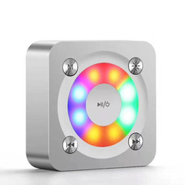 2019 altavoz bluetooth led luces cuadradas Bluetooth inalámbrico portátil altavoz de apoyo Soporte FM LED Shinning TF tarjeta de música jugando con luz Control de volumen 20 unids altavoz bluetooth led luces cuadradas baratos
