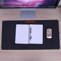2019 mesa cinzenta Design simples Esteiras de mesa de feltro 630 X 330 X 2 mm esteira de ratos Cinza escuro Material de pano de feltro Tapete de mesa Macio e durável para mesa de escritório mesa cinzenta barato