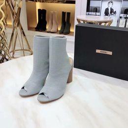 корейский стиль женщин сапоги Скидка Горячие продажи-2019 Горячие женщины Жан Boots Mid С высоким Синий моды сапоги с отверстиями высокого для Повелительница с коробкой Korean Style n0720