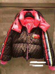 Дизайн колодки онлайн-Новый дизайн женщины звезды же стиль взлетно-посадочная полоса мода с капюшоном FF письмо печать теплой потерять вниз хлопок проложенного парка полупальто casacos S M L