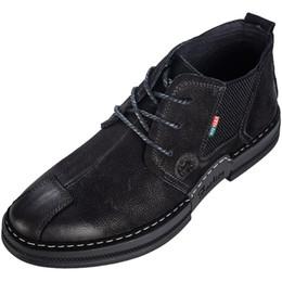 vendre des hommes occasionnels chaussures lace up jeune mode extérieure en cuir véritable hommes chaussures haute quanlity preuve de l'eau dérapage preuve bout rond large hommes bottes ? partir de fabricateur