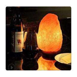 2019 lâmpadas de base de cristal 110V Dimmable Mão Crafted Natural Crystal Himalaia Salt Lamp com base de madeira 7W lâmpada e cabo de alimentação desconto lâmpadas de base de cristal