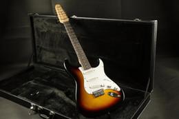 2019 guitare à boulons Stock 12 cordes ST guitare électrique Sunburst couleur cordes jeu corps boulon sur joint promotion guitare à boulons