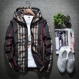 Herren-jacke mit kapuze online-Die Jacke der neuen Männer dünner Frühling beiläufige Reißverschlusshaubenmäntel Männer Hoodiewindjacke Jugendstraßenart-Tendenzmänner und -frauen beide Frühlingskleidung