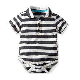 Designer schwarze overalls online-Neugeborenen Unisex Strampler Einreiher Weiß Schwarz Gestreiften Sommer Jungen Mädchen Overall Infant Baby Designer Kleidung 1-3 T