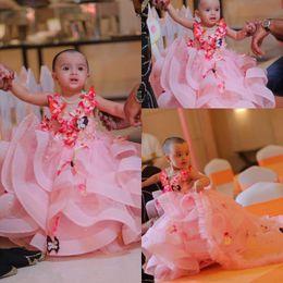 robe fille fleurs floral Promotion Tulle rose clair une robe de fille de fleur de ligne 2019 Butter Fly 3D Floral Applique Layered Ruffles Filles Pageant Robes Robe de fête d'anniversaire