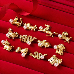 Fashion jewelry 12 Zodiac pearl alloy animal brooches pins cute pig New Year  gift jewelry costume suit brooch for women men kids wholesale 687394959dc8