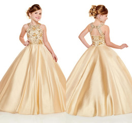 2019 menina de flor nupcial da princesa do marfim Ouro Sparkly Strass Frisado Princesa Vestidos Da Menina de Flor De 2020 Halter Backless Vestido de Baile Meninas Pageant Vestido Primeira Comunhão Vestidos