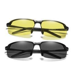 Scolorimento degli occhiali da sole online-Nuovo marchio occhiali da sole fotocromatici uomini polarizzati lenti scolorimento occhiali da sole per gli uomini Moda metà cornice occhiali da sole quadrati 3043