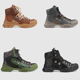 botas de invierno para hombres Rebajas 2018 Tamaño grande Nuevo estilo Otoño e Invierno Martin Mujer Hombre Botas Zapatos Venta al por mayor US10.5 11 Botas cortas de marca de cuero Diseñador de calzado deportivo