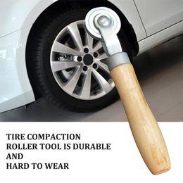 2019 rueda momo Mango de madera de Neumáticos compactación con rodillo de goma antideslizante manija fría de la película rodillo de presión de neumáticos auto herramientas de reparación