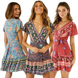 88ed183f42 2019 vestidos étnicos del verano del estilo Mujeres atractivas y  encantadoras con cuello en V profundo