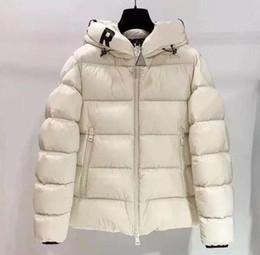 Mens di alta qualità giù cappotto online-Novità invernali Mens donne parka altamente qualità Down Jacket con lettere doudoune Mens Jackets Coat Donna Top vestiti all'ingrosso