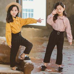 2019 camicette scolastiche New Girls School Camicetta + Pantalone 2 pezzi Moda Abbigliamento per bambini Set Principesse adolescenti Camicie Twinsets Abbigliamento per bambini camicette scolastiche economici
