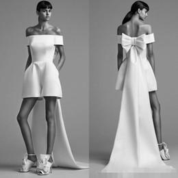 um vestido de ombro oscars Desconto 2019 Designer Mais Novo Curto Macacões Evening Vestidos Formais Branco Alta Baixa Cetim de Volta Arco Barato Prom Formal Vestido de Festa Vestidos Robe De Soiree