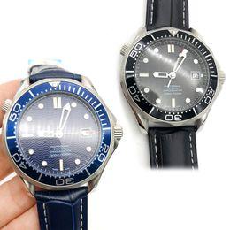 2020 orologi in pelle cinturino unisex A +++ Luxury Mens Professional 300m nero / quadrante blu zaffiro automatico orologio da uomo 38mm cinturino in pelle da uomo sconti orologi in pelle cinturino unisex