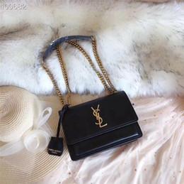 Leather handbags accessories online-2019 RTW Diseñador de la marca de cuero para mujer Bolsos Totes de moda Chica Crossbody Bolsa de mensajero Bolso de moda Bolsos de hombro Bolsos de embrague Accesorios