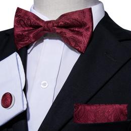 Pajarita roja de paisley online-Hola-corbata roja floral pajarita diseñador conjunto con pañuelo mancuernas para hombre moda de boda de negocios fiesta de negocios LH-826