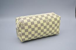 burgunder geschenk taschen Rabatt Große Kapazität Kosmetische Beutel Frauen Make-up-Kulturbeutel Diamant-Korn-Außen Travel Bag 16 Styles
