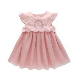 2019 novas meninas moda vestidos Meninas do bebê vestido de verão de algodão do bebê vestido de princesa 2018 nova sem mangas bonito moda infantil 0-2 anos novas meninas moda vestidos barato