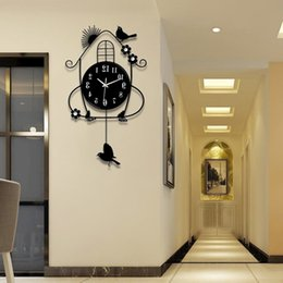 specchi resistenti all'acqua Sconti Altalena in ferro battuto nero creativo orologio da parete elettronico resistente alle intemperie grande orologio da parete e artigianato moderno design orologio