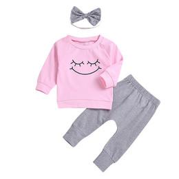 2019 adorável atacado roupas miúdos Roupas de bebê menina sorriso rosa tops pant headband roupas 3-piece um conjunto adorável meninas bebê criança roupas atacado ternos adorável atacado roupas miúdos barato