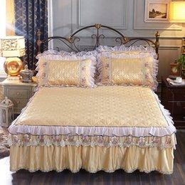 2019 fronhas de luxo bordadas 1 / 3pcs luxo folhas de rosto de rendas de algodão cama saia princesa cama fronha de cama bordado fronhas de luxo bordadas barato