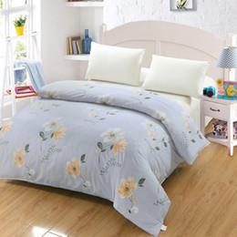bd3d66867a Roupa de cama de moda bonito azul branco Doraemon girafa animal Dos Desenhos  Animados Impresso Lençóis Capa de Edredão Crianças Crianças capa de Edredão  ...