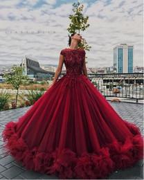 2020 Quinceanera Del Vestido De Bola Vestidos De Rojo Oscuro Del Cordón De Borgoña Apliques De Cristal Casquillo Moldeado De Las Colmenas Del Partido