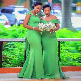 2019 dos vestidos de dama de honor morados Verde sirena vestidos de dama de 2020 Off hombro barrer de tren de Cuentas riza más el tamaño de Jardín del país huésped de la boda Vestidos de noche de baile barato