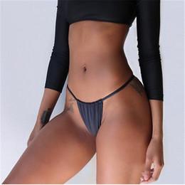 Micro correas calientes online-Braguitas de bikini brasileñas Cheeky calientes 2019 Mujeres Tanga negro Baño Playa Strappy Butt Breve Scrunch Halter String Micro Bragas