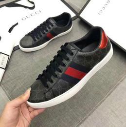 Zapatos hombres boutique online-2020 terciopelo negro con suela gruesa hermosas zapatillas de deporte casuales de la venta caliente de cuero sólido de color zapatos de vestir zapatos de boutique para hombres y mujeres # 6625