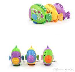 Peixes nadando na cadeia peixe colorido relógio infantil brinquedo bebê Pequeno brinquedo relógio pequeno peixe vai mover a cauda por atacado de Fornecedores de venda por atacado de brinquedos de estanho