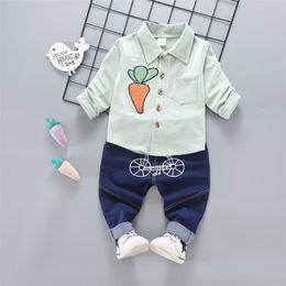 buona qualità nuovi ragazzi neonate che coprono gli sport vestiti appena  nati vestiti della mucca del fumetto del bambino del tuta del bambino  vestiti del ... 1b9802768f9