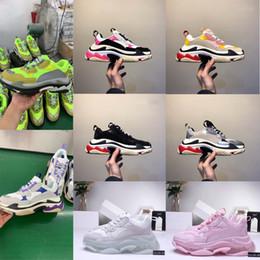 2019 женская обувь размер 4.5 2019 Мода Paris Повседневная обувь 17FW Triple-S Папа для мужчин Женщин Бежевый Черный Спортивный Дизайнер Triple S Обувь Размер 36-45 дешево женская обувь размер 4.5