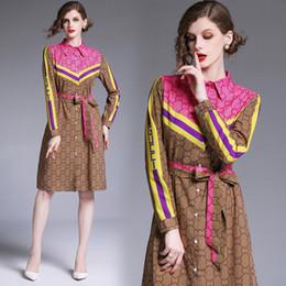 Robes décontractées en dentelle en Ligne-Nouveau 2019 Piste Classique De Luxe Lettre Imprimé Casual Lâche Arc Laçage Taille Shirt Shirt Femmes Dames À Manches Longues Parti Designer Robes