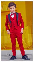 2019 chicos azul marino esmoquin Red Tailcoat Boys Ocasiones formalesTuxedos Pico Solapa Un botón Niños Boda Tuxedos Traje de niño Ropa de fiesta (Chaqueta + Pantalones + Corbata + Chaleco) 66