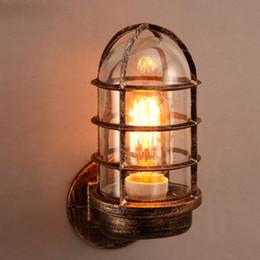 Illuminazione gabbia in stile industriale online-Applique da parete industriale Sconce Rust Metal Cage Single Light con paralume in vetro Vintage Style Mini Antique Fixture Indoor Lighting